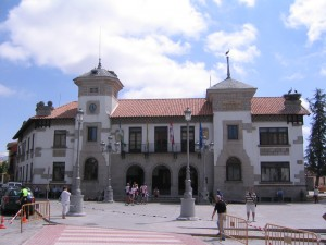 Ayuntamiento-de-El-Espinar-300x225